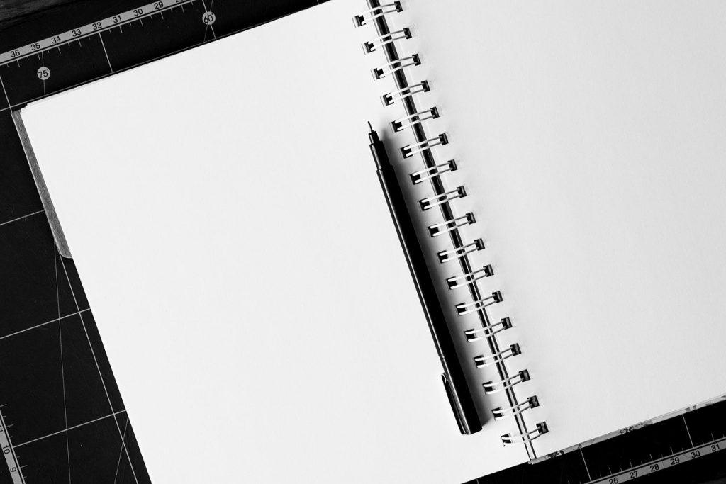 Papier und Stift braucht die Kreativität